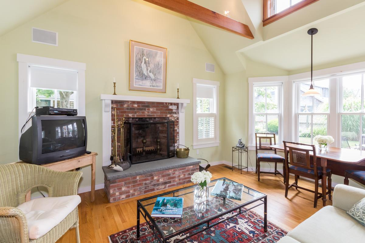 Luxury homes in A classic 1910 farmhouse in edgartown