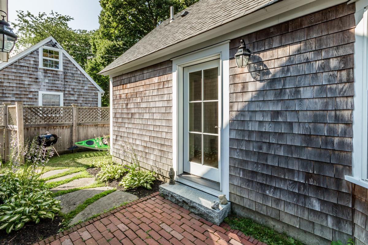 A classic 1910 farmhouse in edgartown luxury real estate