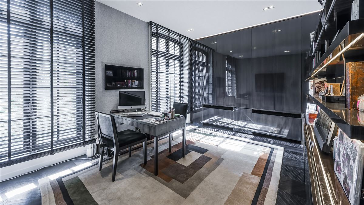 Luxury homes in SUMPtuous mansion renovated by luxury architect