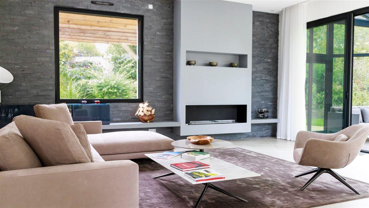 Luxury homes striking modern home and garden