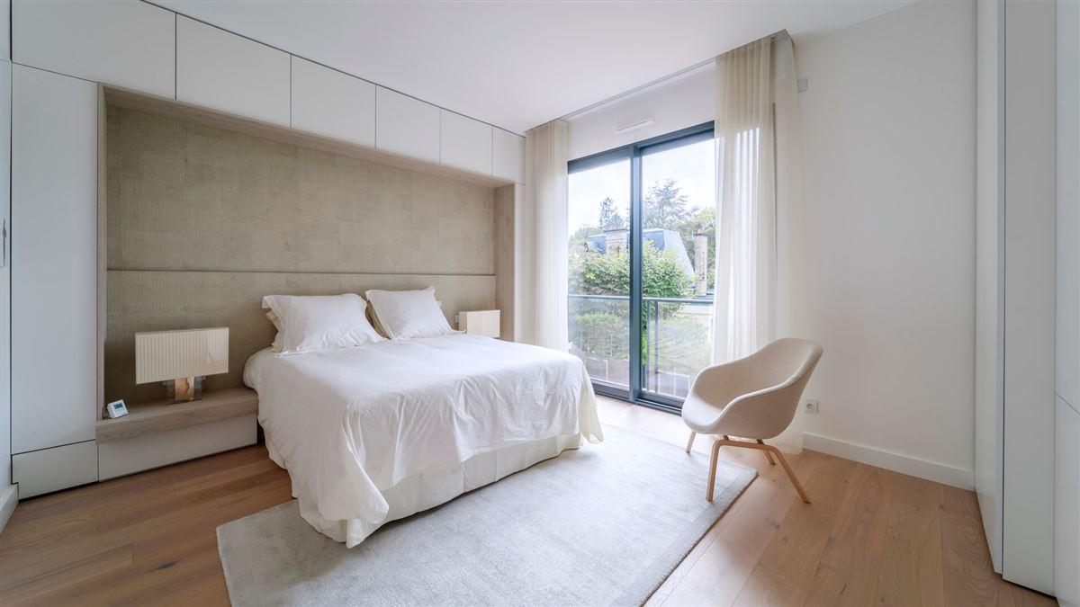 Luxury properties striking modern home and garden