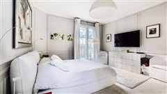 immaculate apartment in the Gros Caillou district mansions