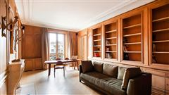 exceptional corner apartment in sought after location mansions