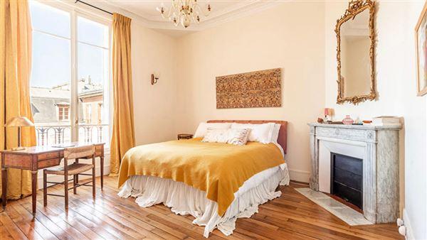 Luxury properties magnificent apartment at prestigious address