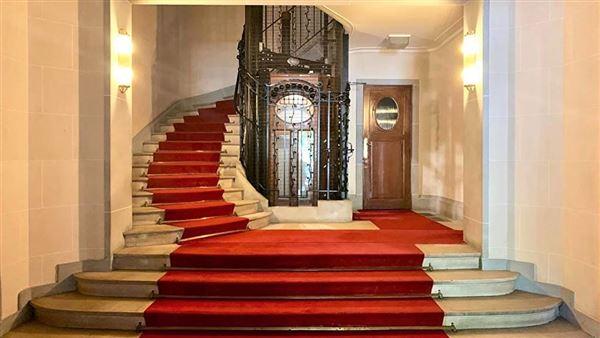 Mansions Prestigious apartment in ideal location