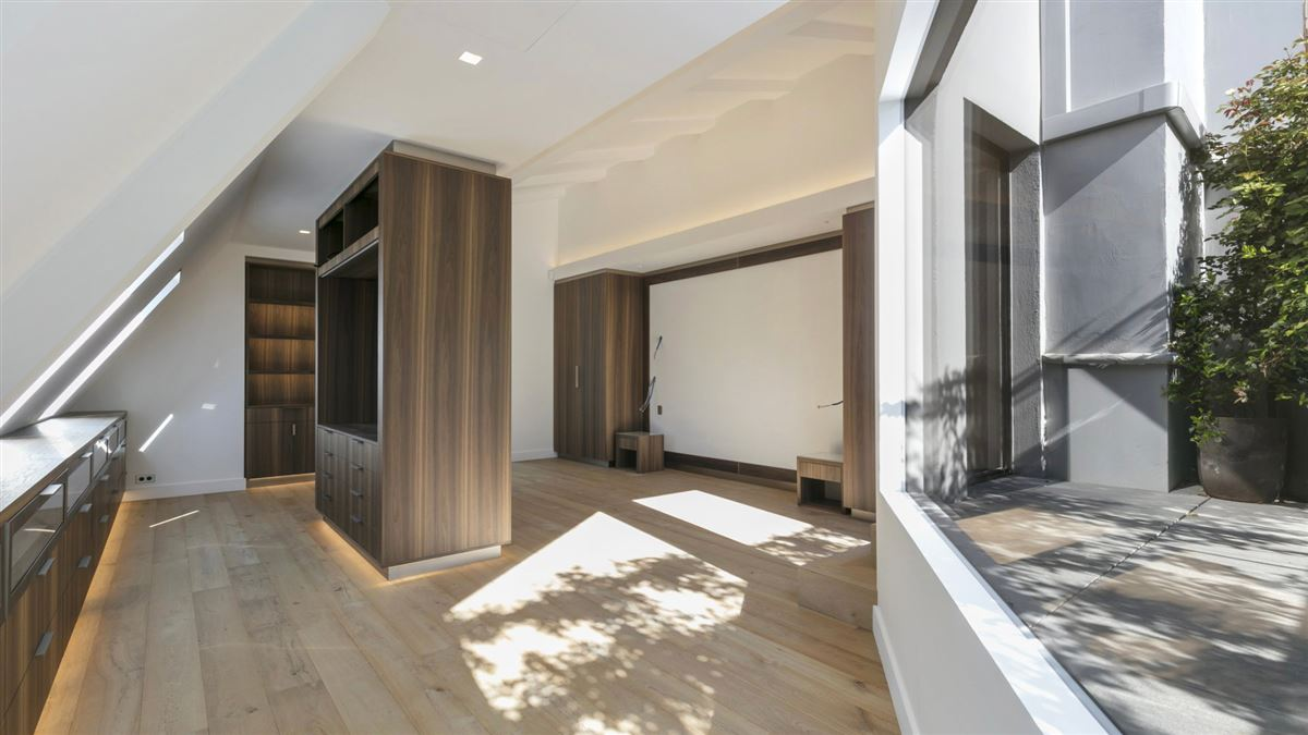 Luxury homes in completely refurbished duplex apartment