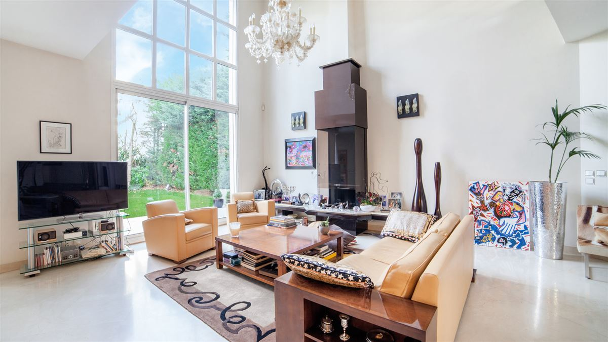 Luxury homes sought after area near the center of paris