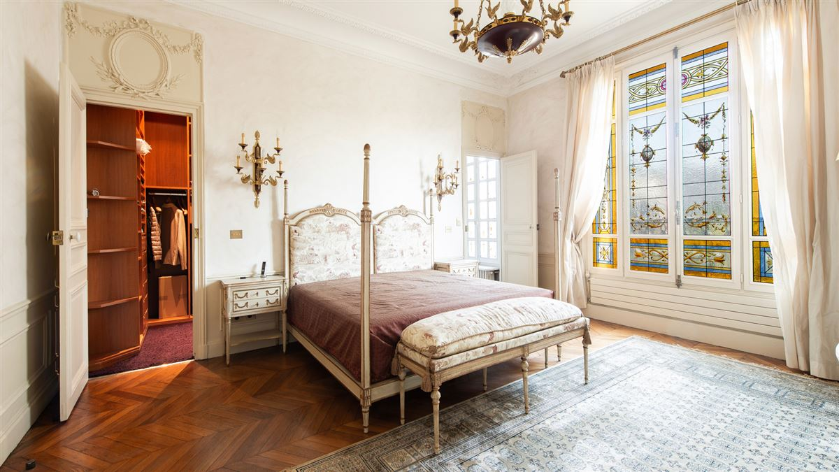 Luxury homes beautiful flat in a 1900 building