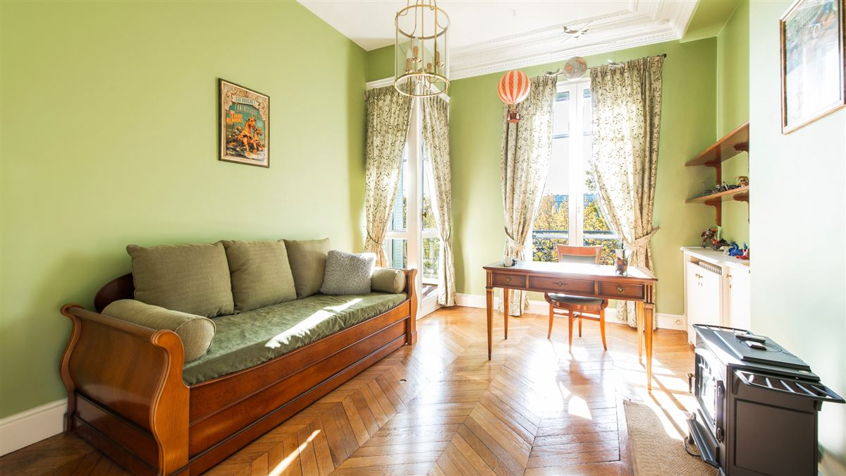 beautiful flat in a 1900 building luxury real estate
