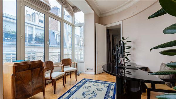 Luxury properties magnificent apartment with unobstructed views
