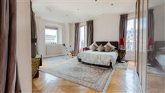 Mansions magnificent apartment with unobstructed views