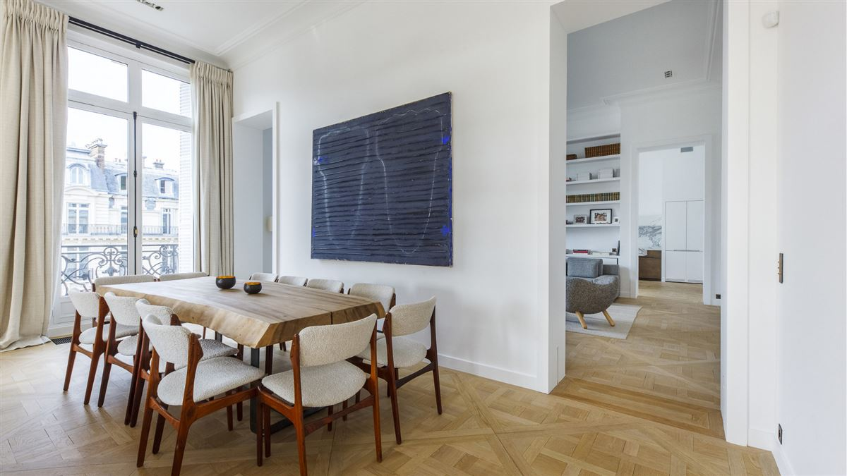 Luxury homes exceptionally renovated and immaculate apartment