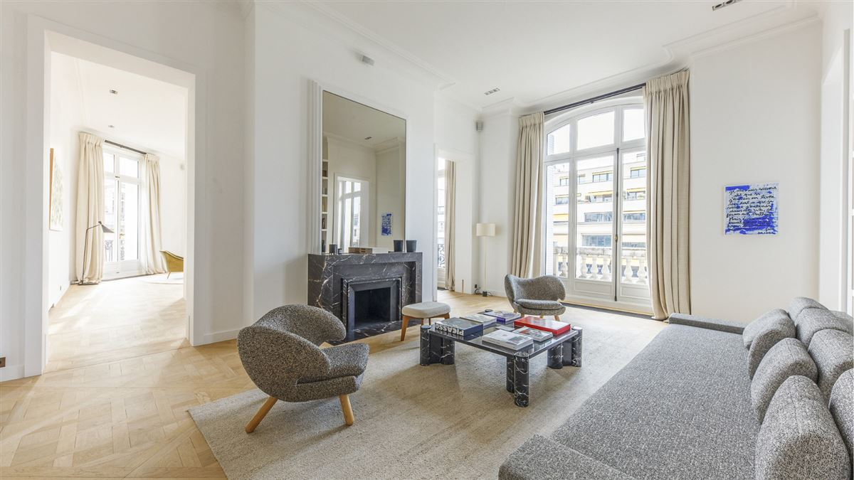 exceptionally renovated and immaculate apartment luxury homes