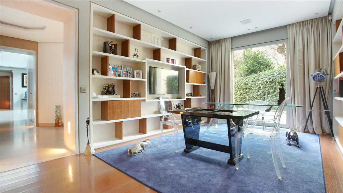 Rare! In the immediate vicinity of the Ranelagh Garden and La Muette luxury properties