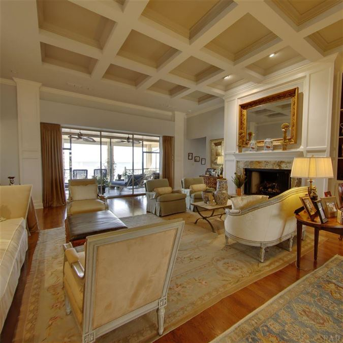 Luxury real estate Enjoy breathtaking views