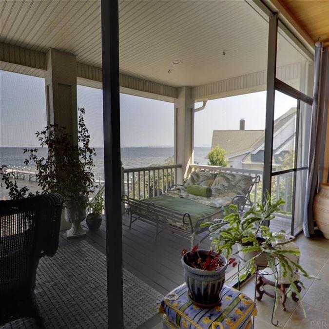 Mansions in Enjoy breathtaking views