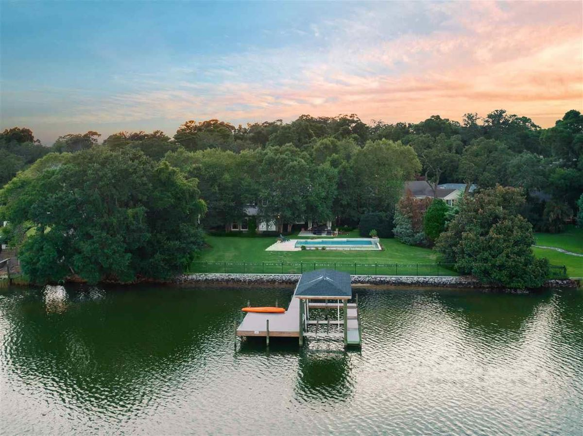 Charming and inviting waterfront home luxury real estate