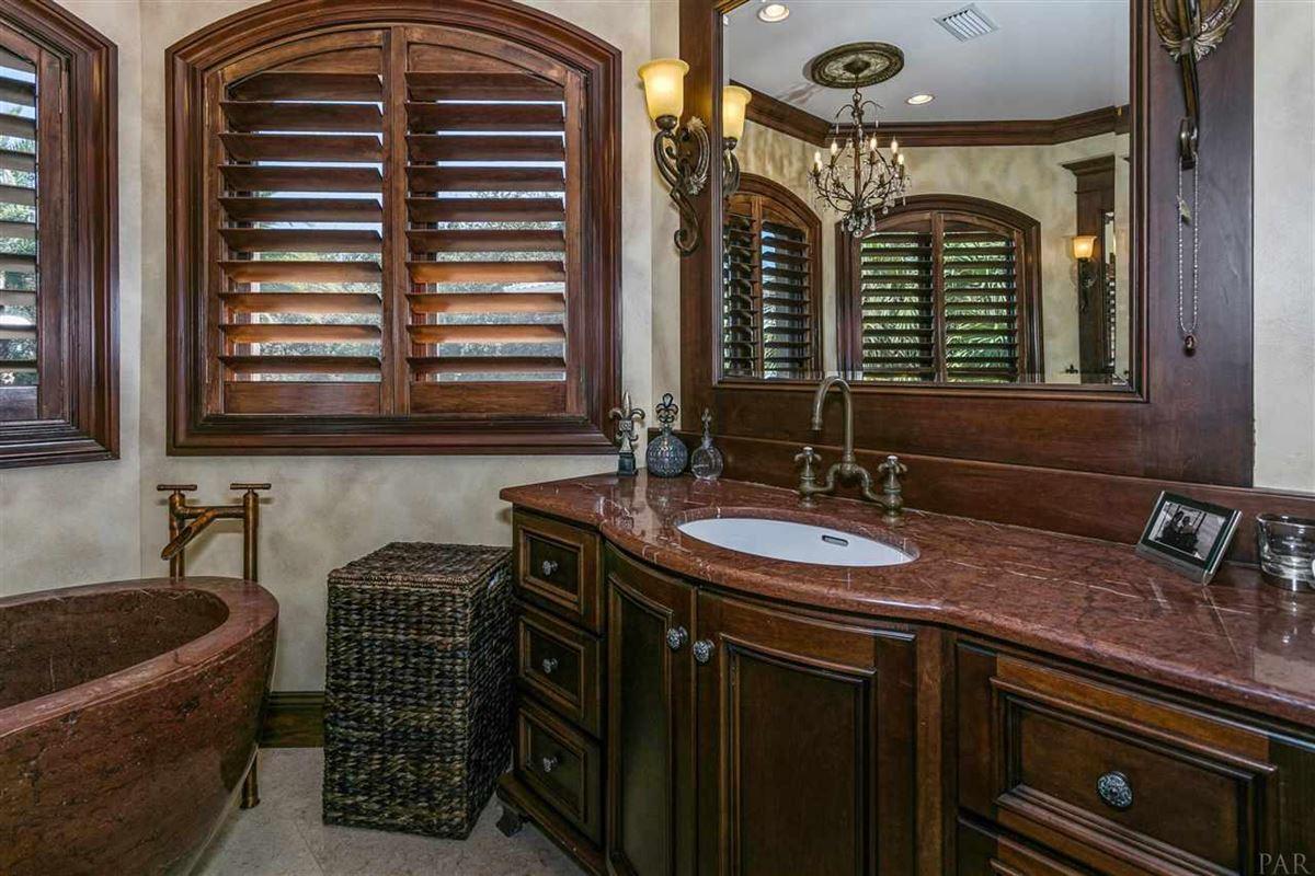 lovely estate on Santa Rosa Sound luxury homes