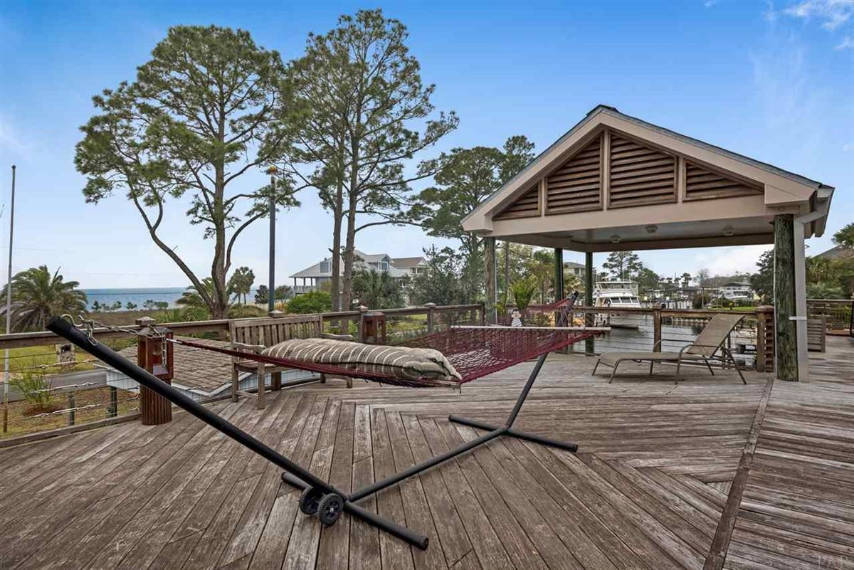 Mansions One-of-a-kind Waterfront Gulf Breeze residence