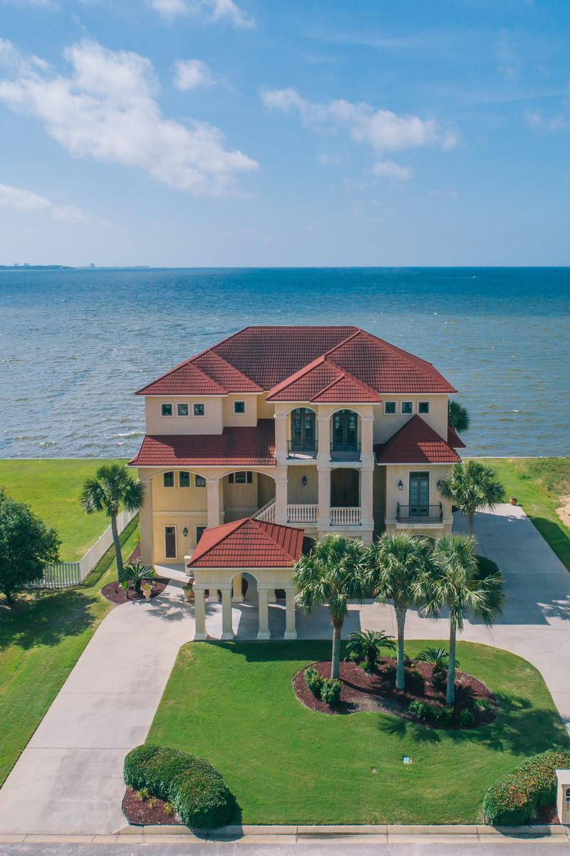 Luxury real estate  elegant waterfront home in pensacola