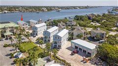 Luxury homes paradisiac Ole River home
