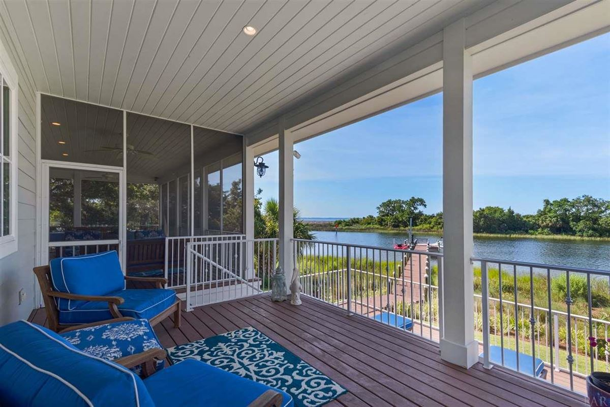 Mansions rare waterfront home on Bayou Texar