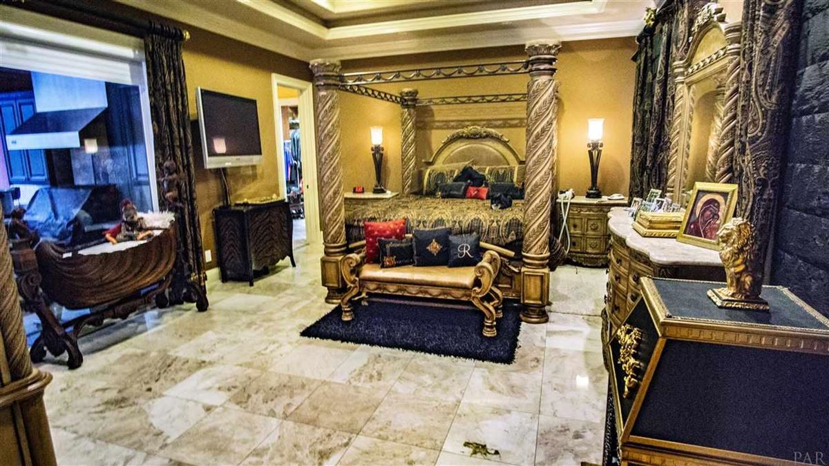 Luxury homes in special Pensacola home