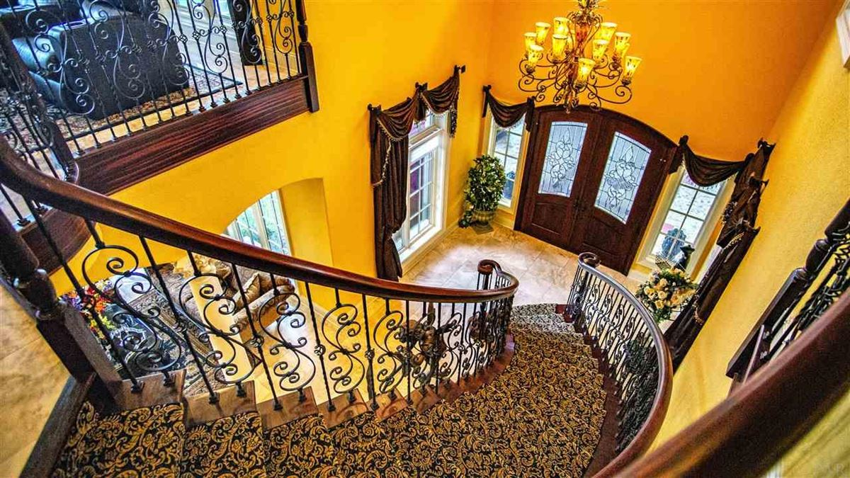 Mansions in special Pensacola home