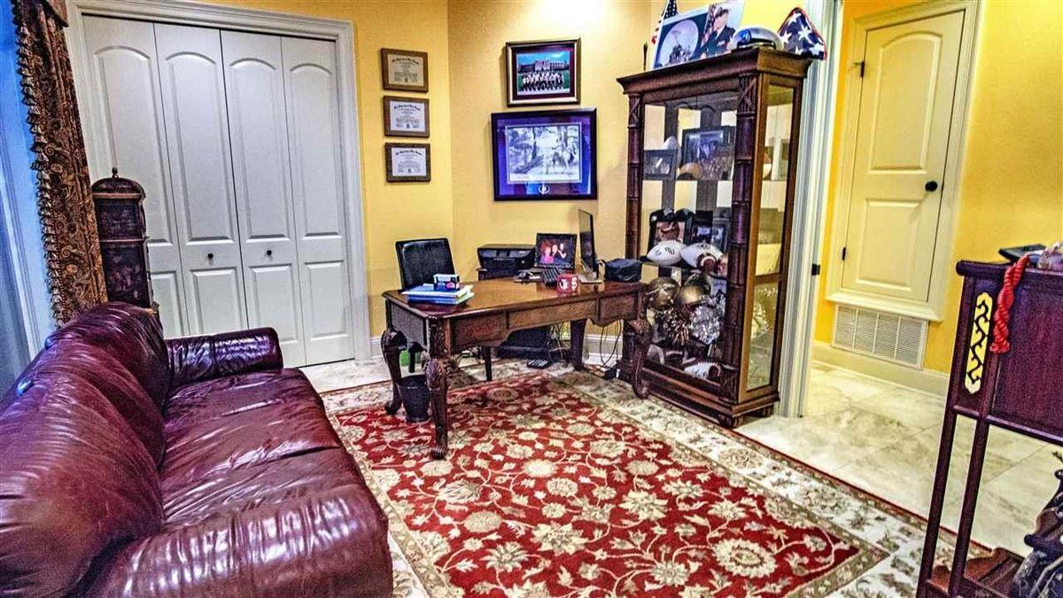 special Pensacola home luxury properties