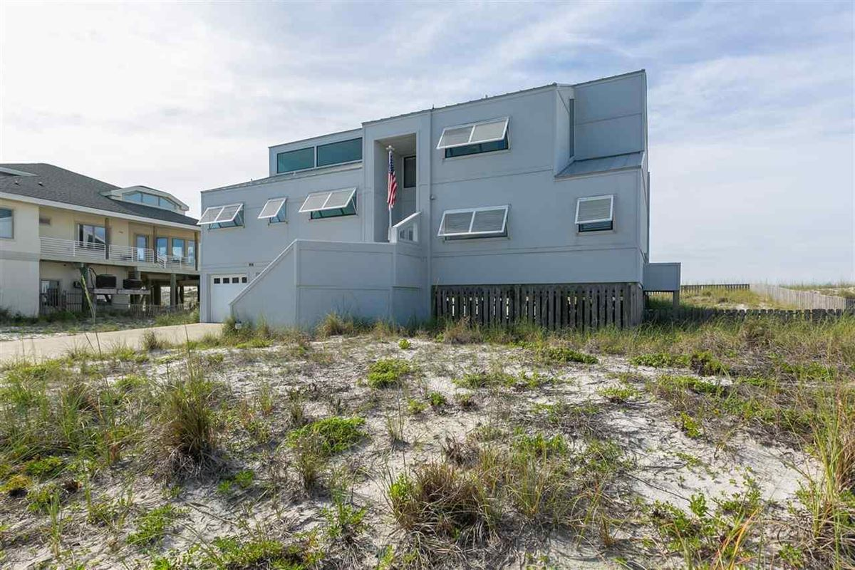 Luxury homes in Pensacola Beach Gulf-front dream home