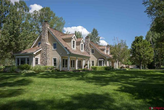 Luxury homes 33 lush acres with Ponds and Mature Trees
