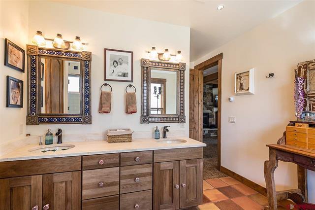 Luxury properties Rancho del Lago