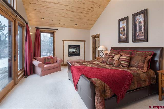 Luxury real estate Big Red Rock Views from Every Room