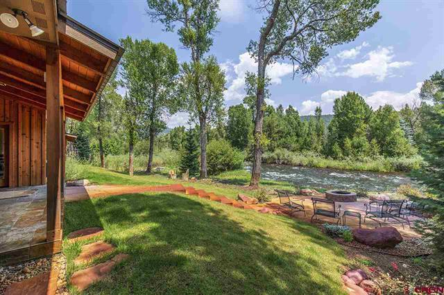 The Perfect Pine River Retreat mansions