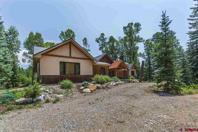 Luxury real estate The Perfect Pine River Retreat