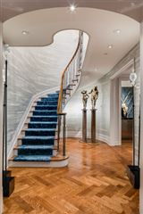 Trophy Maisonette Home With Garden in New York luxury real estate