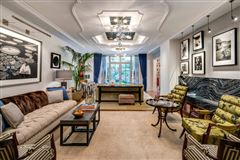 Mansions in Trophy Maisonette Home With Garden in New York