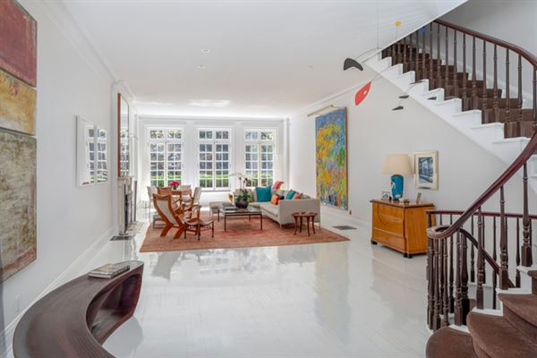 Luxury homes Neo-Federal Townhouse Moments from Fifth