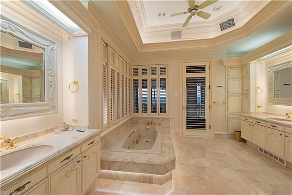 the pinnacle of beachfront luxury living mansions