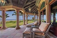 Luxury homes the pinnacle of beachfront luxury living