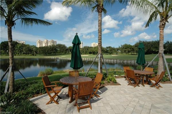 a comfortable home in naples luxury properties