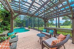 Luxury properties Amazing fairway golf home