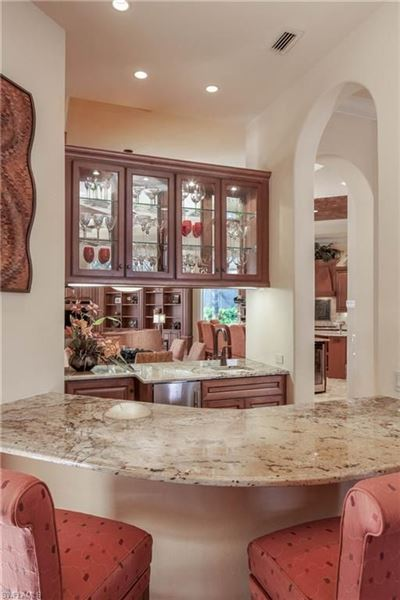 Luxury homes in magnificent Tuscany II estate home