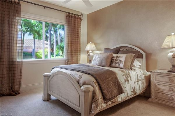 Luxury properties magnificent Tuscany II estate home