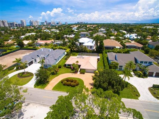 Excellent opportunity to build new or remodel luxury real estate