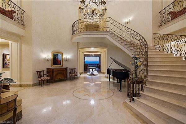 Luxury real estate La Capanna