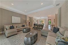 Luxury homes in turnkey furnished villa in Serafina at Tiburon