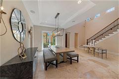 Mansions in turnkey furnished villa in Serafina at Tiburon