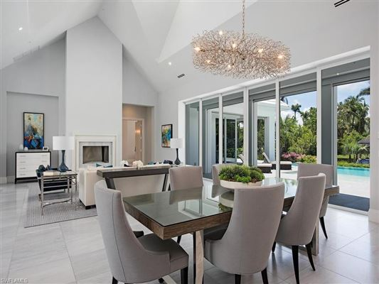 new contemporary home in Aqualane Shores luxury homes