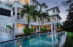 spectacular estate in the heart of Old Naples luxury properties